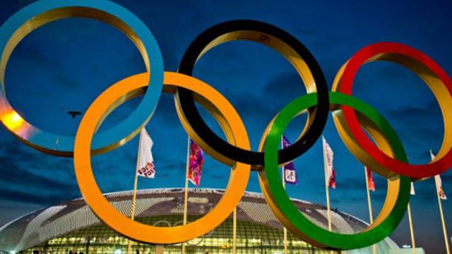 Streaker se estrella en parte en los Juegos Olímpicos, trayendo Paz + Amor