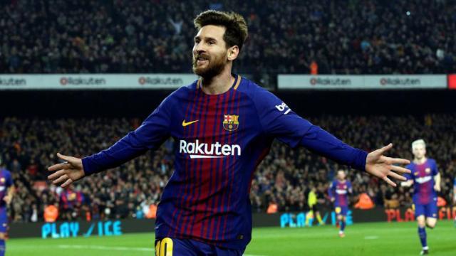 Lionel Messi celebra otro récord un lanzamiento de falta absolutamente brillante