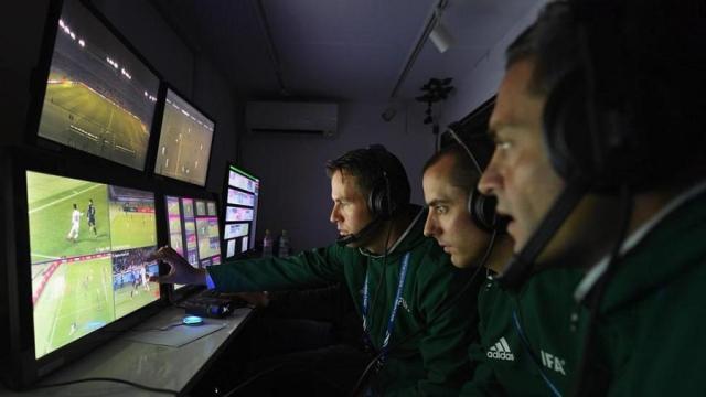 Sistema de revisión (VAR) es criticado después de la repetición de la FA Cup