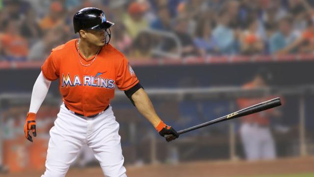 MLB: 'Giancarlo Stanton' hace su debut en entrenamiento de primavera con Yankees