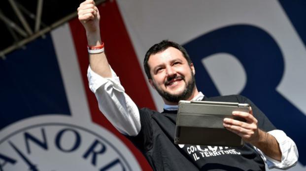 Salvini nel corso dei festeggiamenti ha diffuso un tweet