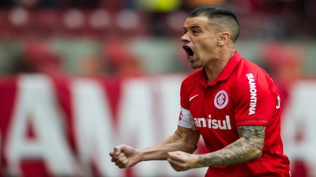 Futbol: D'Alessandro completa la parte más importante de su carrera futbolística
