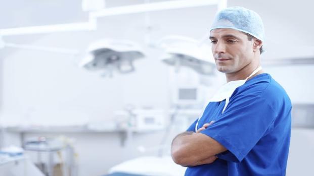 Tumore testicoli: diagnosi troppo tardive, l'allarme dei medici