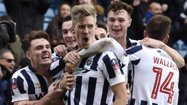 Fulham logra la victoria sobre Sheffield y continúan luchando por ascender