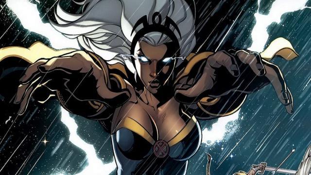 Cuatro superheroínas populares de los comics