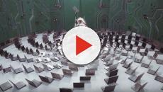 Photographer Benjamin Von Wong turns E-Waste into amazing art
