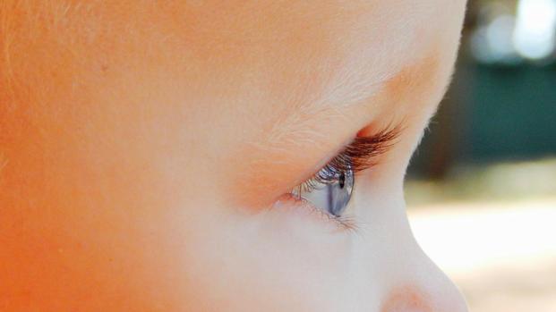 Video: negli occhi dei bambini, la lettura delle nostre azioni