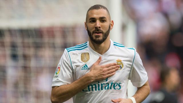 Mercato : Le Real Madrid accepte une offre incroyable pour Benzema !