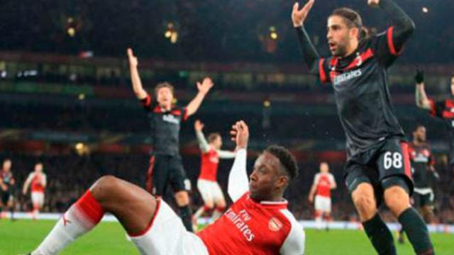 El Arsenal con polémica arbitral, elimina al Milán en 8vos de Europa League