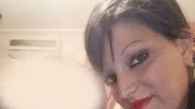 Femminicidio a Napoli: donna uccisa davanti alla scuola della figlia