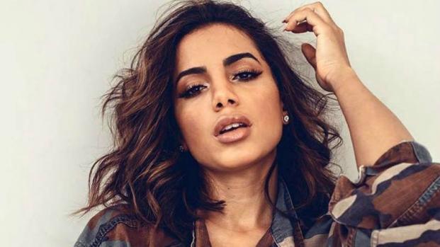 Anitta não lacra em texto sobre Marielle, lamenta morte de PMs e é criticada