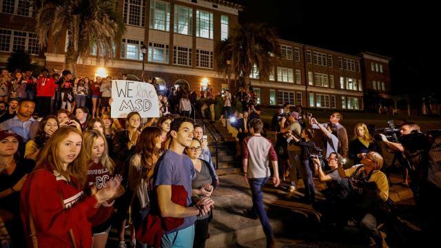 Los estudiantes planean una marcha de control de armas en EUA