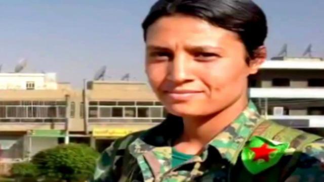 Giovane curda massacrata e ripresa con il cellulare