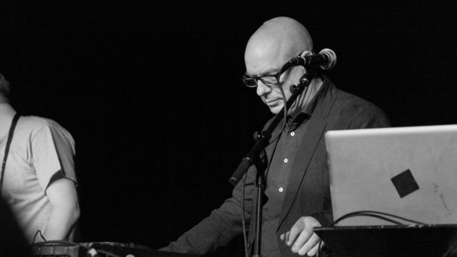 Brian Eno anuncia