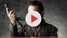 Globo nega dispensa de ator de 'Deus salve o Rei', veja no vídeo