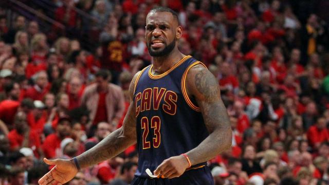 Video: Así es como LeBron James se pudo recuperar de su lesión en la espalda