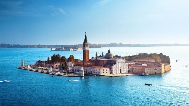 Vacaciones gratuitas en Italia y en el extranjero 2018