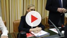 A pesar del escándalo, Cristina Cifuentes graba un vídeo y dice que no se va