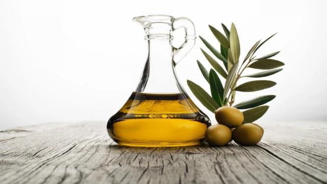 Aceite de coco y de oliva o la mantequilla, ¿cuál usar?