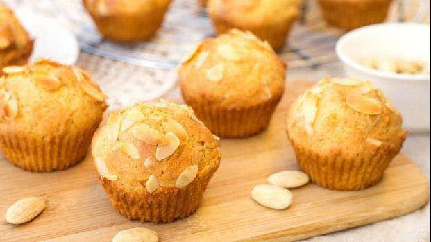 Muffin alle mandorle: soffici dolcetti americani