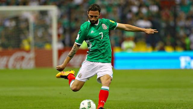 Miguel Layun aportó goles y José Corona ahorra para ganar 8/10 en México