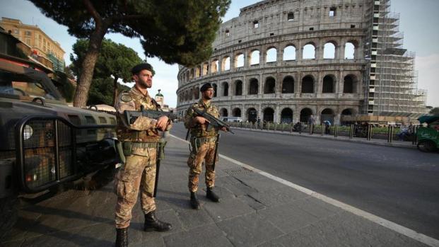 Allerta terrorismo a Roma, si cerca un tunisino dopo segnalazione all'ambasciata