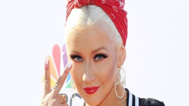 Christina Aguilera cambia su look