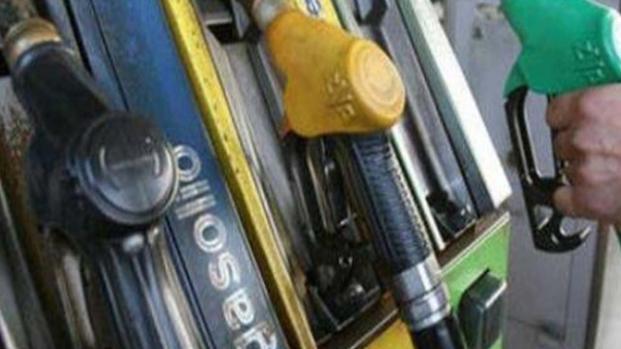 Benzina e diesel: aumentano i prezzi a Pasqua