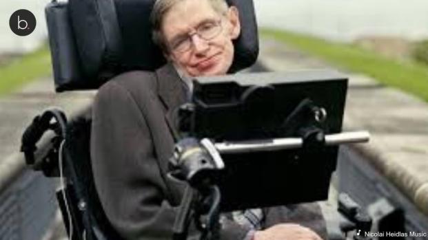 Milhares de pessoas ocupam as ruas para o funeral do astrofísico Stephen Hawking