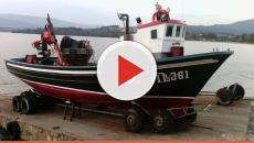 Homem furta barco parado na rua e é flagrado por câmeras