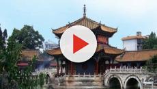 Coniugi cinesi ritrovano la figlia scomparsa dopo 24 anni