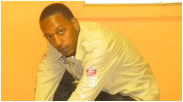 New York, polizia uccide uomo di colore disarmato