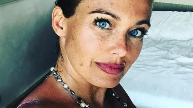Sonia Bruganelli continua a provocare: 'Stamattina andiamo da Gucci?'