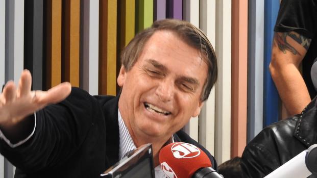 Bolsonaro ataca Ciro Gomes após prisão de Lula