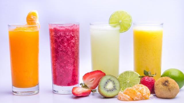 Cinco errores que cometemos al mezclar cócteles verdes