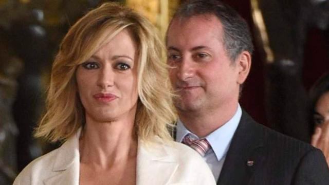 Conmoción tras el insulto del marido de Susanna Griso a Felipe VI en público