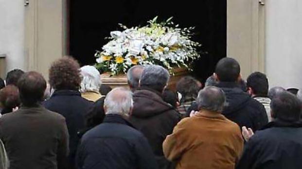 Chiede colletta per il funerale del figlio ma il bambino è vivo