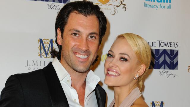 Los profesionales de 'Dancing with the Stars' incluyen un hijo joven en la boda