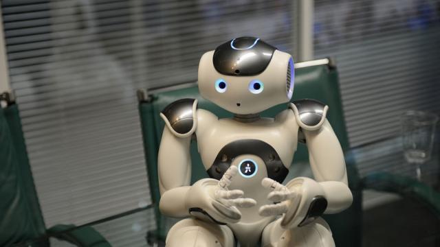 Los legisladores quieren que puedas demandar a los robots