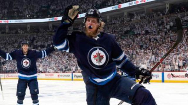 Winnipeg gana juego 1 de playoff, en electrizante tercer periodo contra el Wild