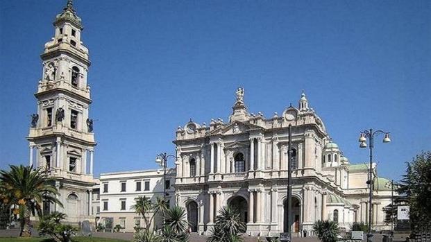 Madonna di Pompei 'fa muovere' il rosario