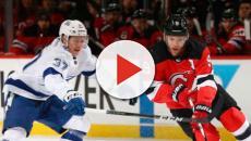 Los Devils con un gran Taylor Hall derrotan a Tampa Bay para apretar la serie