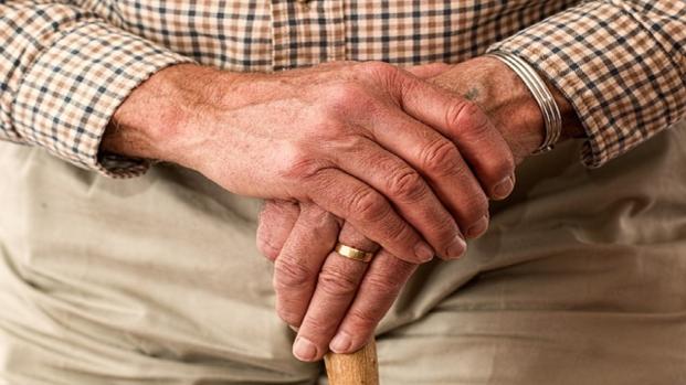 Il nonno gli lascia 3 miliardi di lire, ma lui non li può incassare