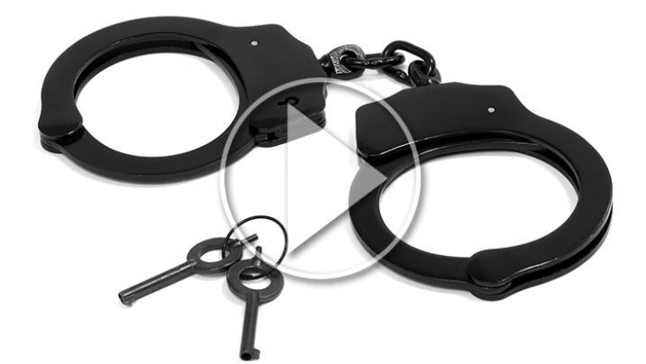 VIDEO - Napoli: trovato in possesso di documenti falsi: arrestato 25enne