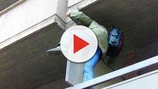 Ladro acrobata cade durate un furto, è in gravissime condizioni