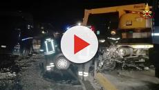 Incidente, auto contro un camion. Muore una coppia, erano in attesa di un figlio
