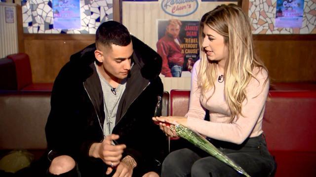 Álex demostró su nivel de romanticismo en su cita con Sophie