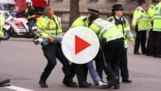 Sanremo, abusivi fuggono dalla polizia e seminano il panico - VIDEO