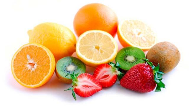 ¿Hay conexión entre los niveles de vitamina C y la función cerebral?