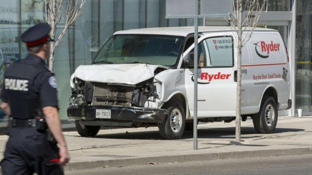 Attentato Toronto: furgone travolge i passanti, 10 morti e 15 feriti